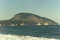 Вид на Аю-Даг со стороны Гурзуфа